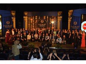 10. Bedia Muvahhit Tiyatro Ödülleri muhteşem bir törenle sahiplerini buldu