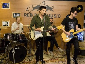 Red Bull Music Warm Up ile sahne sırası öğrencilerde