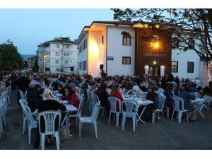 Geleneksel mahalle iftarı Cemal Caymaz Mahallesinde başladı