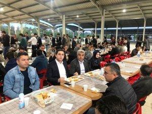 Kaymakam Başar ve Başkan Çalışkan oruçlarını iftar çadırında açtı