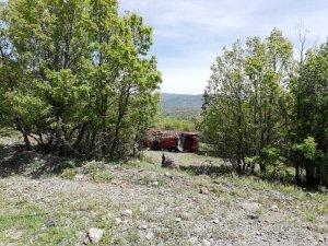 Başkent'te araç şarampole yuvarlandı: 1'i çocuk 4 yaralı