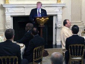 Trump'tan Beyaz Saray'da iftar yemeği