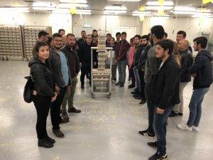 Kumluca MYO öğrencileri Bombus Arısı üretimini yerinde inceledi