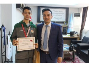 Bandırma Ortaokulu Basketbol takımı Türkiye 2.si oldu