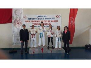 Zişan Gürsoy Karate Yıldızlar Kumite'de Türkiye Şampiyonu