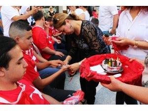 Engelli gençlere temsili asker uğurlama töreni