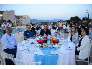 Kumluca'da vakıftan gazilere ve şehit ailelerine iftar yemeği