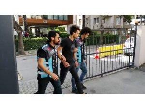 """Kadıköy'de trafikte """"drift"""" yapan maganda yakalandı"""