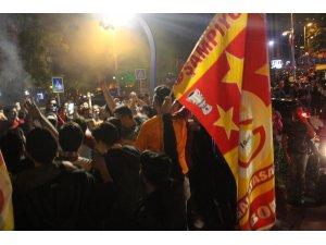 Galatasaray'ın şampiyonluğu Kocaeli'de coşkuyla kutlandı
