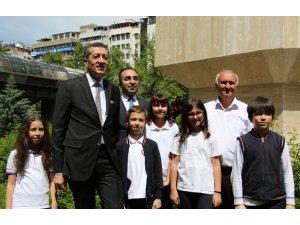 100 bininci fidanı Bakan Selçuk dikti