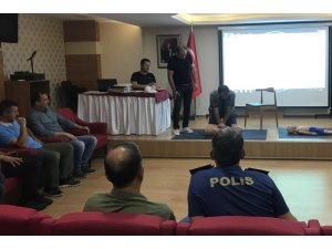 Polislere ilkyardım eğitimi verildi