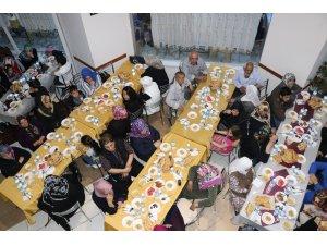 Yetimler Kervanından geleneksel iftar yemeği