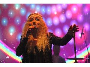 Fasl-ı Şahane'de Cansu Çebi konseri