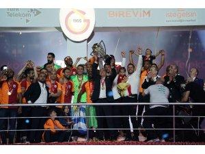 Fatih Terim 5 yıl daha Galatasaray'da