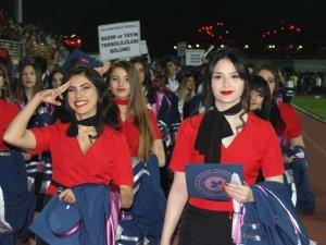 Kırklareli Üniversitesi 2018-2019 mezunlarını verdi