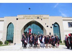adalet myo da mezuniyet sevinci
