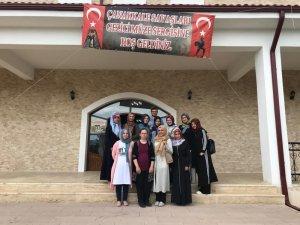 Kursiyer öğrencilerin müze ziyareti