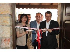 Anadolu Lisesi Yamalı İnşaat Kütüphanesi Törenle Açıldı