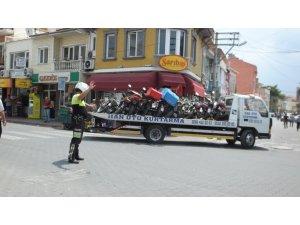 Burhaniye'de motosiklet denetimleri arttırıldı