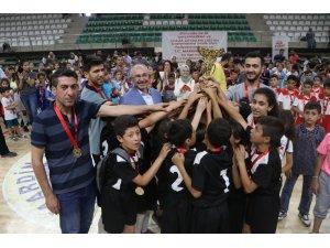 Mardin'de Geleneksel Çocuk Oyunları Festivali'nde coşkulu final