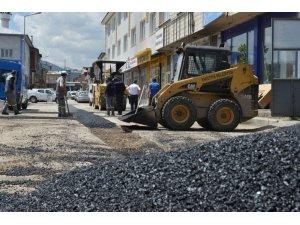 Yakutiye'de bozuk yollar onarılıyor