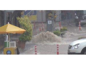Dolu ve yağış Bilecik'i vurdu