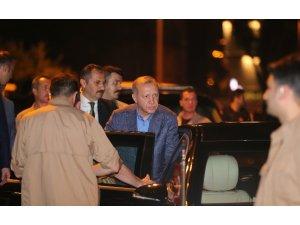 Cumhurbaşkanı Erdoğan AK Parti İl Başkanlığı'ndan ayrıldı