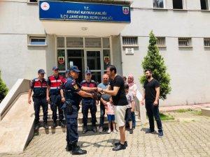 Jandarma ekipleri, Libyalı turistin kaybolan el çantasını kısa sürede buldu