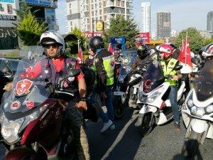 Motosiklet sürücülerinden Binali Yıldırım'a jest
