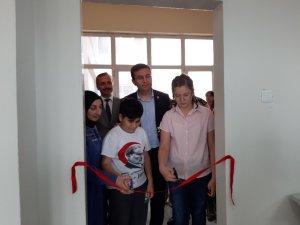 Fen öğretmeninin anısına Kaymakamlıkça laboratuvar açıldı