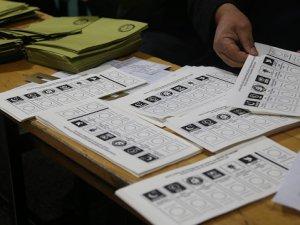 Halkın yüzde 60,5'i YSK'nın iptal kararını adaletsiz buluyor