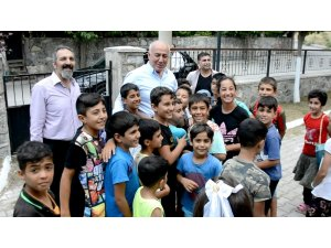 Başkan havuzu çocuklara ücretsiz yaptı