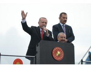 """Cumhurbaşkanı Recep Tayyip Erdoğan: """"Pazar günü Sisi mi diyeceğiz, Binalı Yıldırım mı diyeceğiz? İşte mesele bu kadar önemli"""""""