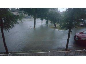 Afyonkarahisar'da aşırı yağış nedeniyle evleri su bastı