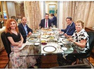 Kıbrıs'ta tartışmaya neden olan görüşmenin fotoğrafı yayınlandı