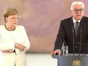 Merkel yine titredi!