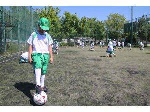 Yaz spor okullarında ilk ders başladı