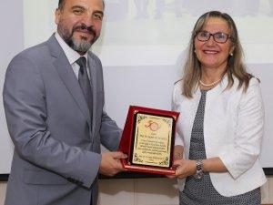 Tıp Fakültesi Tarafından Prof. Dr. Ruhan Düşünsel için Emeklilik Töreni Düzenlendi