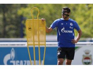 Schalke 04'e yeni transfer olan Ozan Kabak sakatlandı