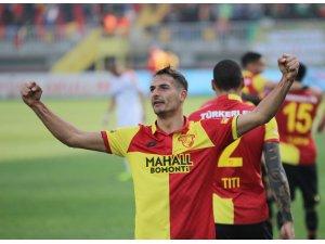 Göztepe'de milli futbolcuların performansı sevindirdi