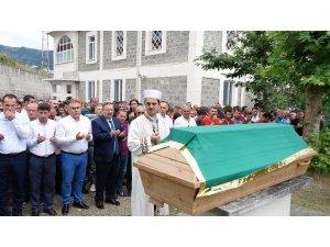 Giresun'da 5 gün önce serinlemek için girdiği denizde kaybolan müzik öğretmeni Selim Balcı toprağa verildi