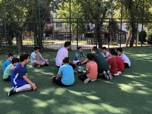 Bayrampaşa Belediyesi Bilgi Merkezi yaz okulu başladı
