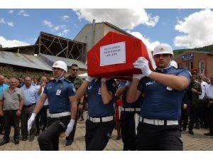 Denizde boğulan polis memuru memleketi Erzurum'da toprağa verildi