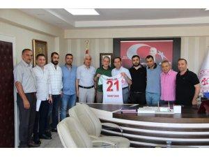 Amed Sportif Faaliyetleri yeni yönetiminden Demir'e ziyaret