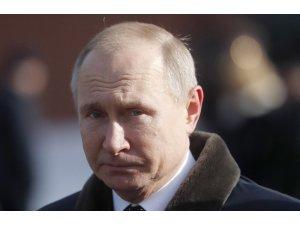 Putin, INF'yi resmen askıya aldı