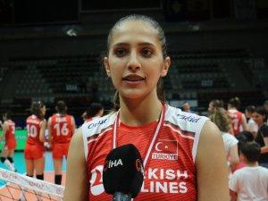 Balkan Şampiyonu olan Türkiye kupasını aldı