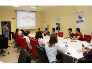 Erciyes Teknopark'ta TÜBİTAK Güncel Çağrıları ve Teknoloji Hazırlık Seviyesi Bilgilendirme Toplantıları Düzenlenmeye Başlandı
