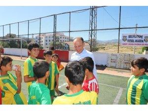 Başkan Akın'dan yaz spor okullarına ziyaret