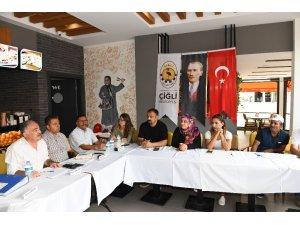 Çiğli Belediyesinin başkan yardımcıları mahalle çalıştaylarını başlattı