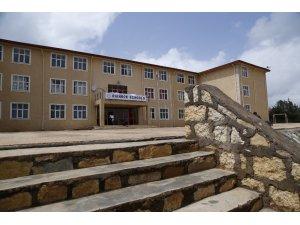 Etiyopya'daki FETÖ okulları Türkiye Maarif Vakfı'na devredildi